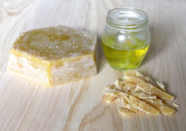 пчелиный воск и оливковое масло