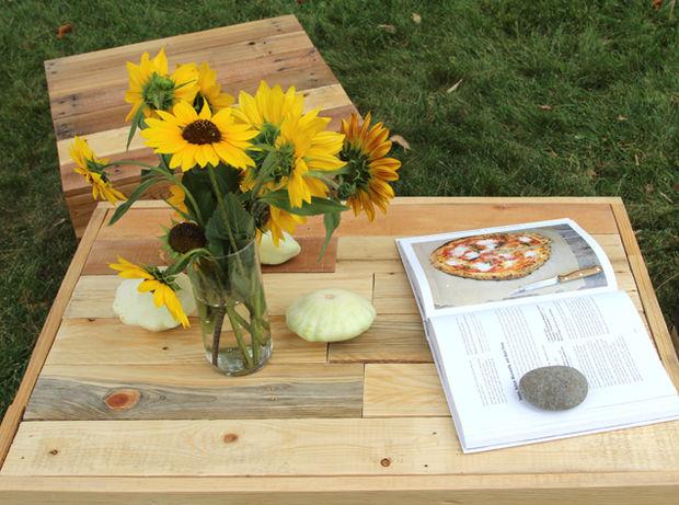 журнал и продукты на столе