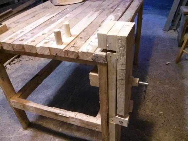 деревянные тиски в закрытом состоянии