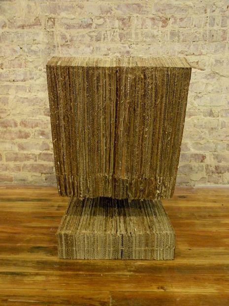 стул из картона вид сзади