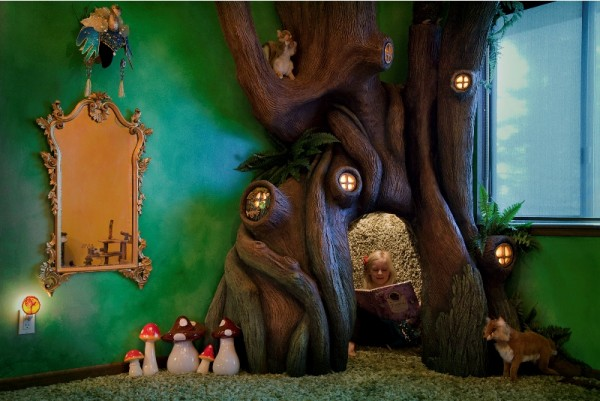 Нижняя зона отдыха декоративного дерева