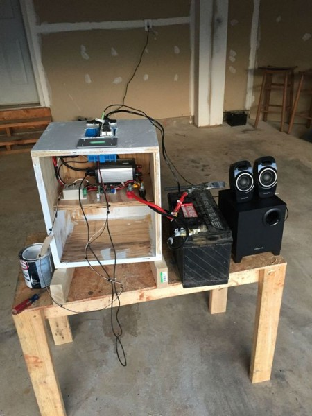 Корпус для аккумулятора и акустические колонки