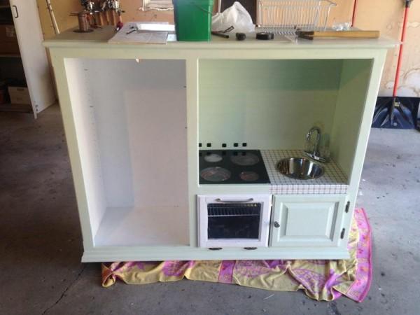 Детская кухня с духовкой и мойкой