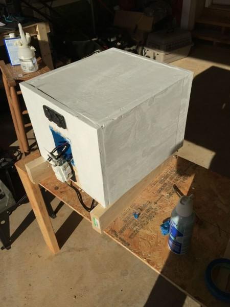 Автономная переносная электростанция, обработанная грунтовкой