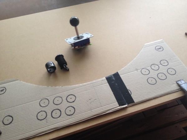 Картонный шаблон панели управления, тумблер и джойстик