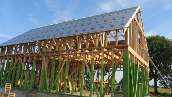 Крыша, покрытая защитным материалом