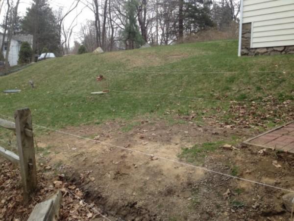 Размеченный участок перед домом, вид снизу