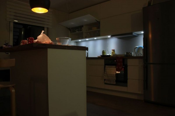 Кухня из фанеры с подсветкой
