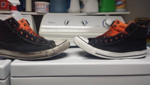 Грязный и чистый кросовок на стиральной машинке