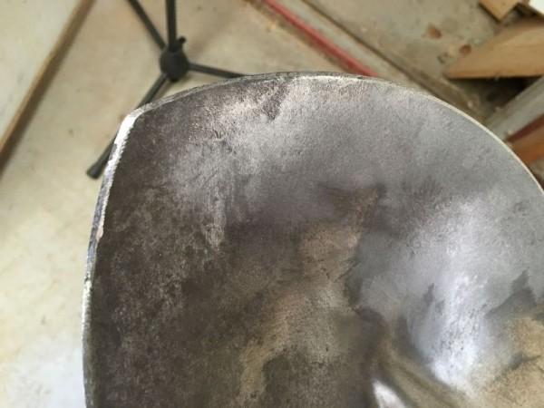Заострённый край лопаты