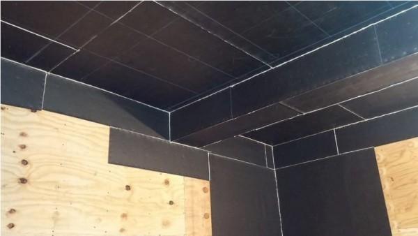Потолок покрытый винилом