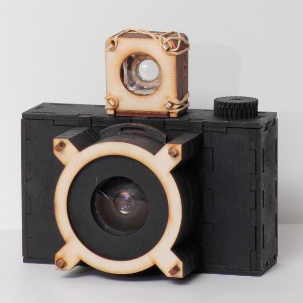 Готовый чёрный фотоаппарта