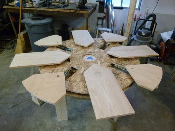 Максимально разложенный стол без верхней панели