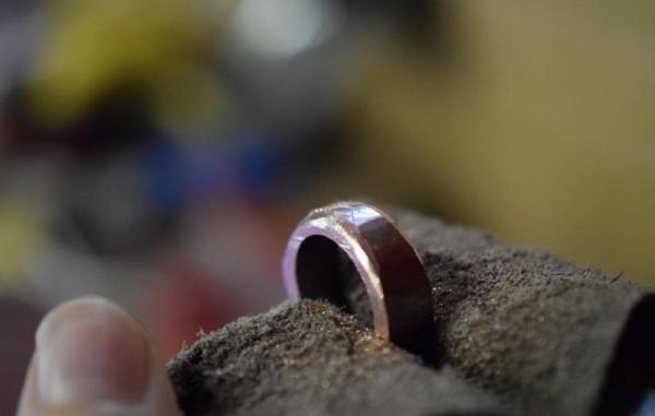Кольцо с обработанными краями