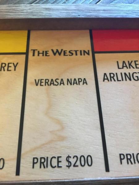 Поле гостиница Westin, крупным планом