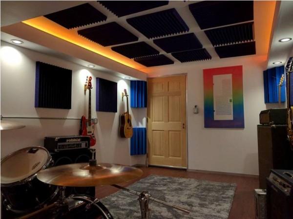 Освещённая готовая комна