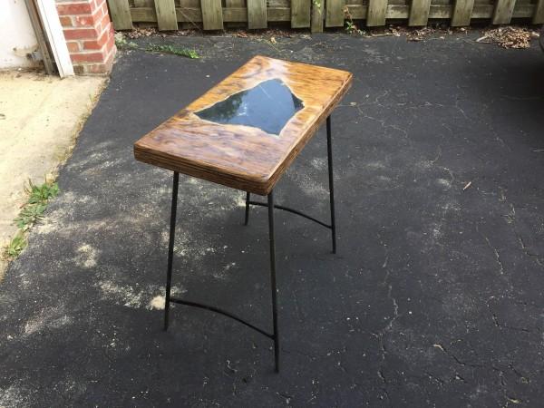 Самодельный столик на ножках