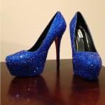 Синие туфли в стразах