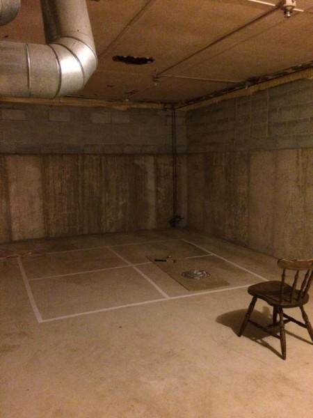 Подвальное помещение, вид на угол