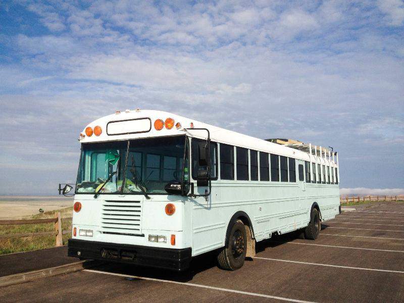 Дом на колесах из автобуса своими руками