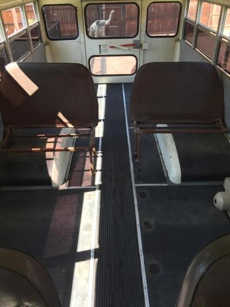 Салон автобуса без сидушек