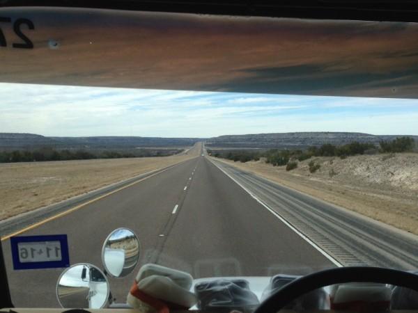 Дорога из окна автобуса