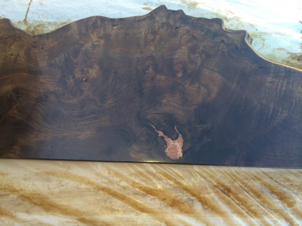 Шлифованная коричневая доска для изголовья