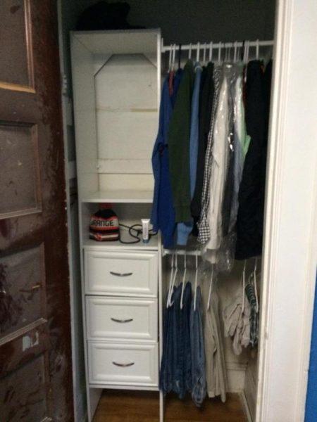Шкаф с одеждой