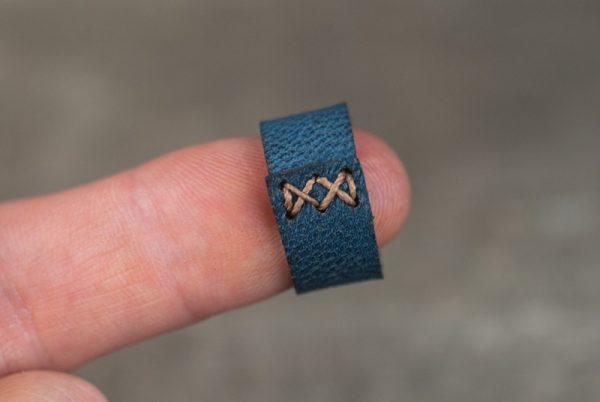 Сшитое кожаное кольцо