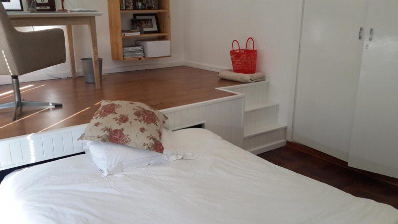 Большая выдвижная кровать для двоих детей