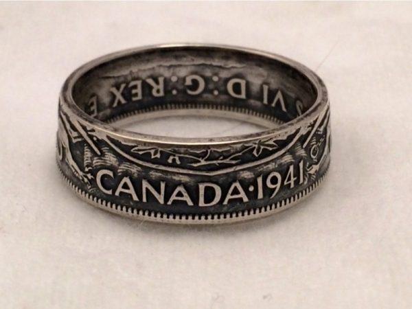 Червлёное кольцо из монеты половина канадского доллара